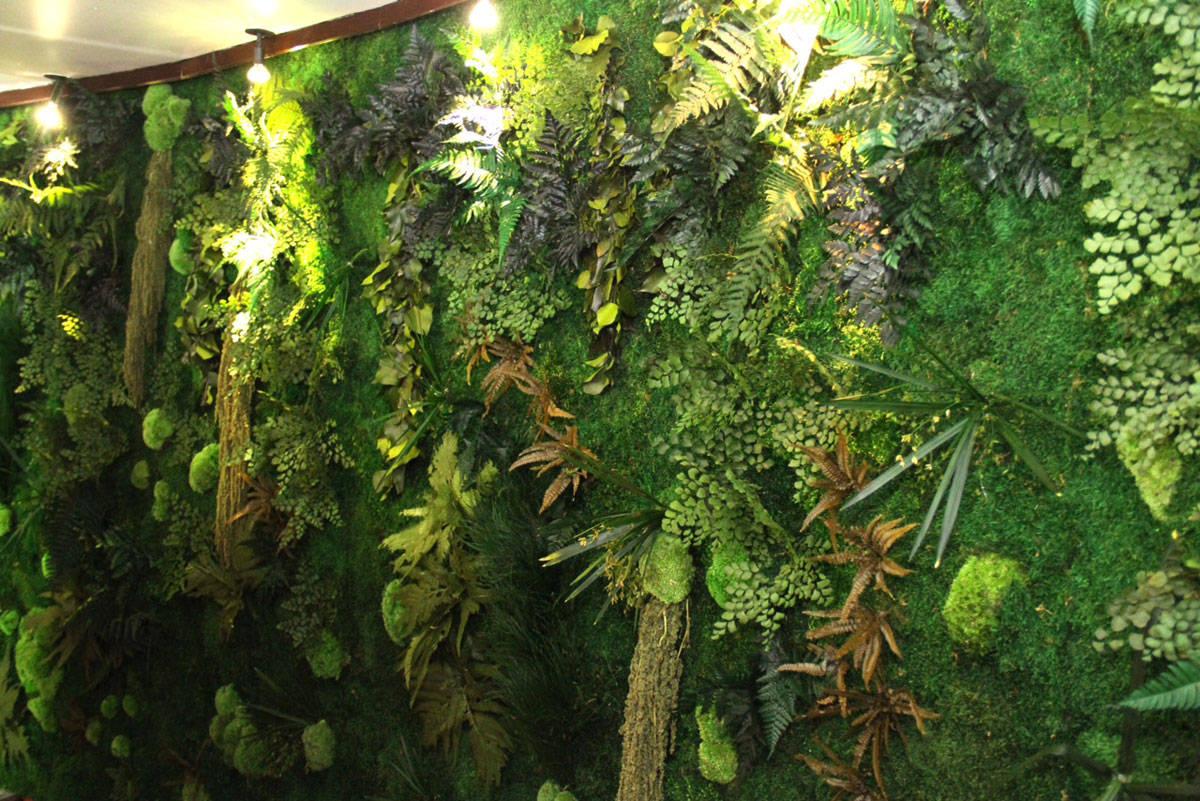 Pareti Verdi Verticali Costi manutenzione giardino verticale: come fare la ordinaria e
