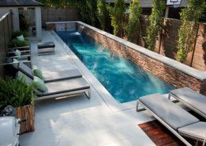 giardino con piscina interrata