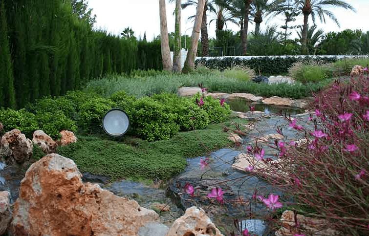 Esempio di giardino mediterraneo privato i progetti di - Progetto giardino mediterraneo ...