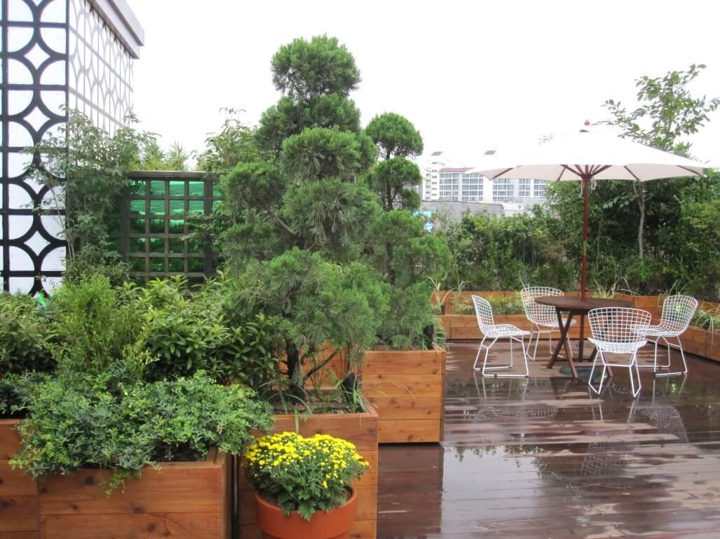 Esempio di giardino per attico privato i progetti di for Giardino in terrazza