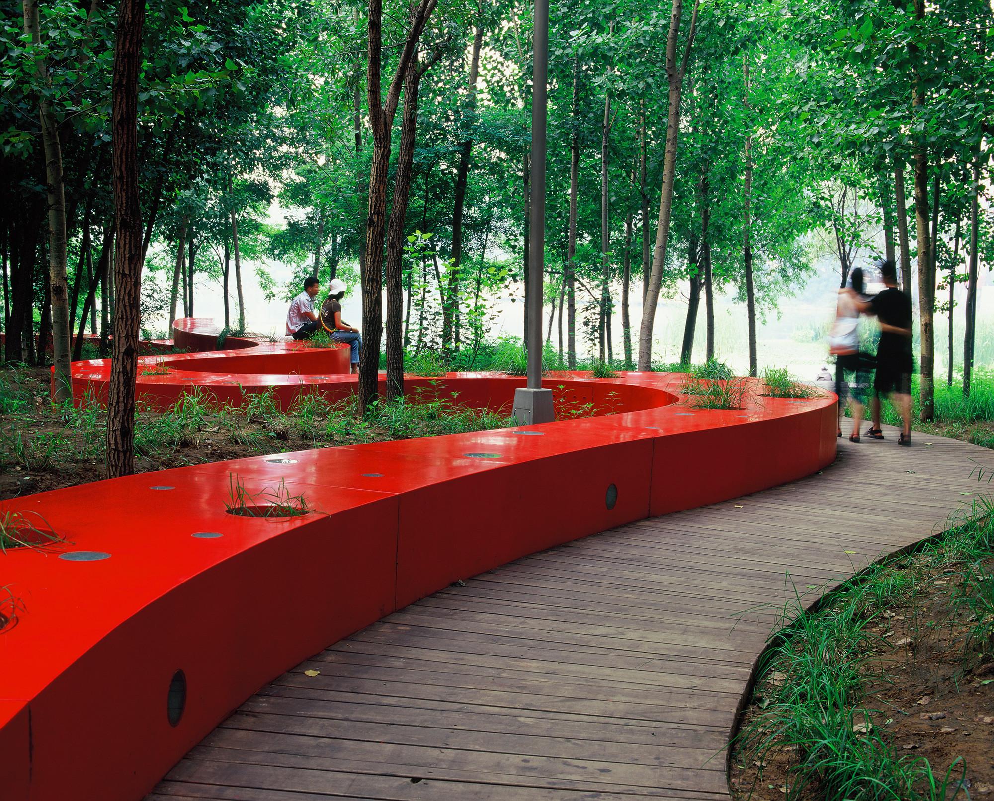 Progettazione e arredo urbano planeta srl for Arredo planet